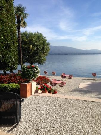 Villa F lakeside